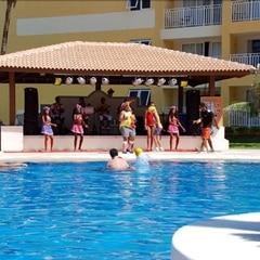 Entretenimento no palco da piscina - Gran Hotel Stella Maris